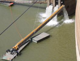 Construção de Plataforma Flutuante para Bombagem de Água